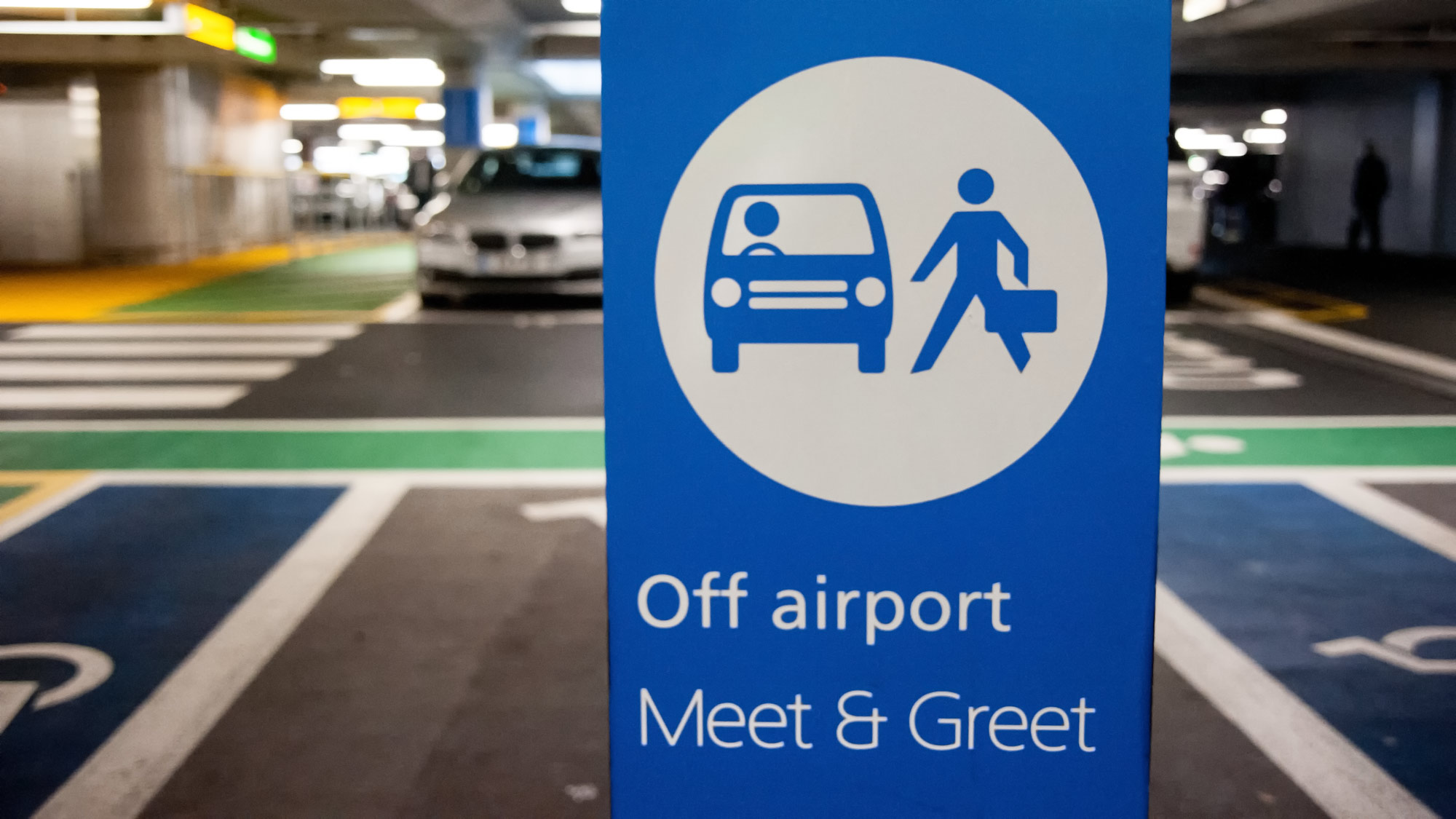 Heathrow meet and greet heathrow airport parking i love clear signposted area kristyandbryce Image collections