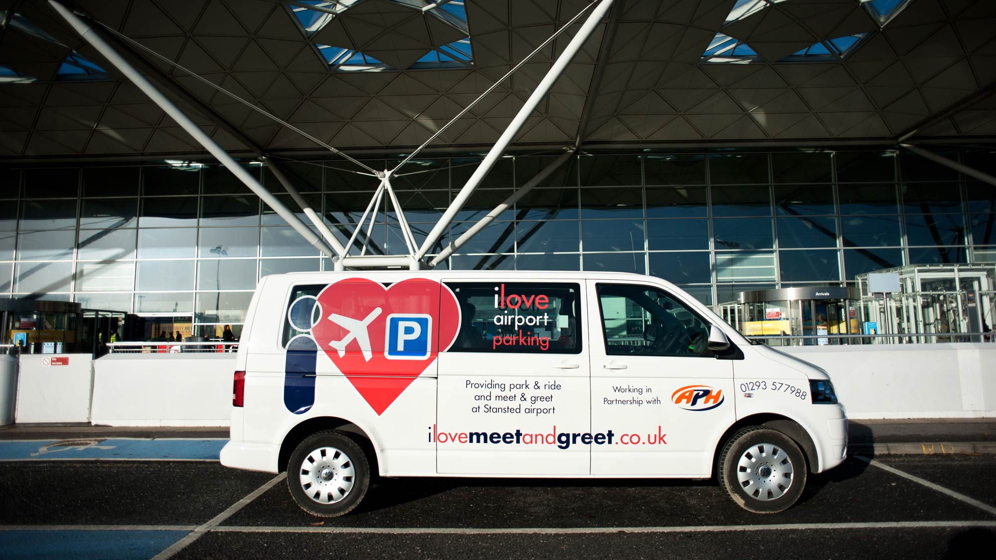 I love park and ride stansted stansted airport parking i love park and ride bus at the terminal m4hsunfo
